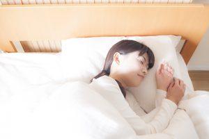 腰痛には横向きの寝方がベスト