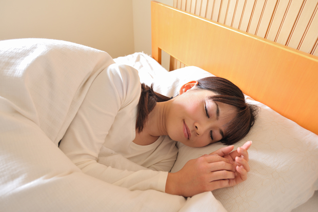 寝る姿勢の工夫