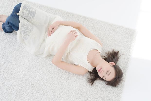 妊娠初期に眠れないのはナゼ?不眠の原因と7つの対策