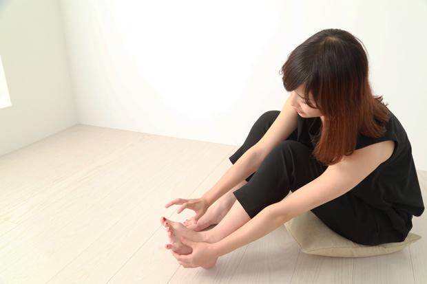 むずむず脚症候群(レストレスレッグス症候群)の原因と対処法とは?
