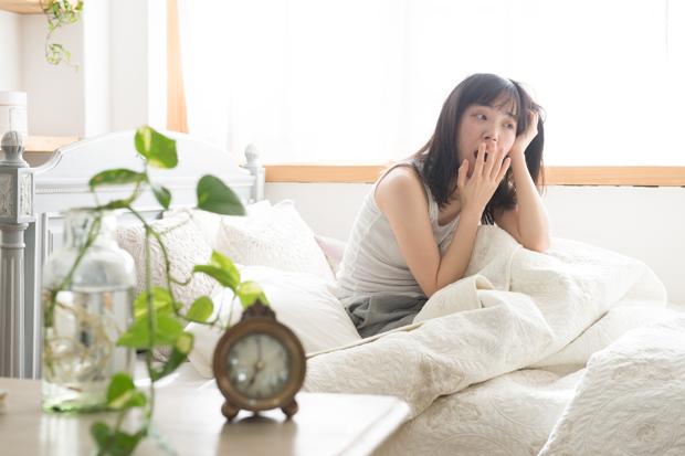 寝ても疲れが取れない人の原因と解消法9選!