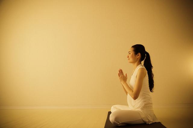「睡眠」と「瞑想」の違いは?