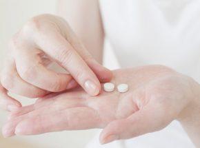 ジフェンヒドラミン塩酸塩の睡眠効果と副作用とは?