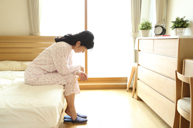 高齢者は睡眠時間が長いのに不眠症?