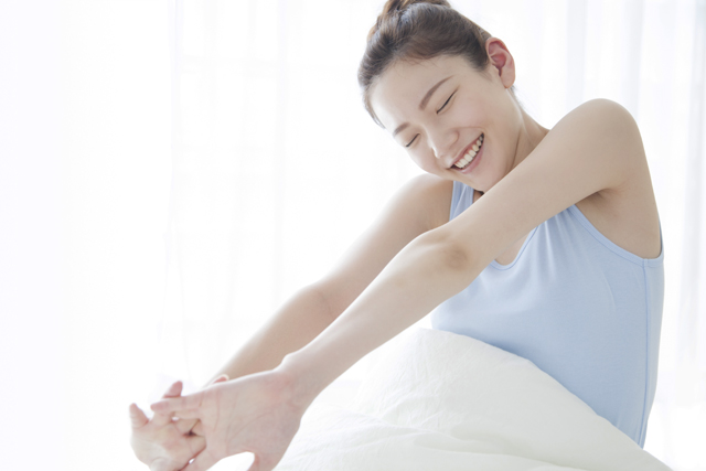 睡眠負債を解消する昼寝の最適時間とは?6つの効果とコツ