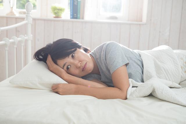 レム睡眠行動障害(RED)は薬で治る?原因と症状について