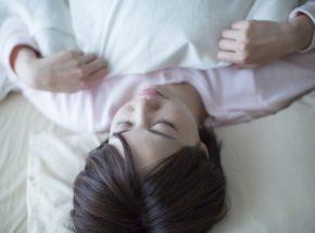 睡眠時無呼吸症候群(SAS)の症状と、自分でできる4つの対策