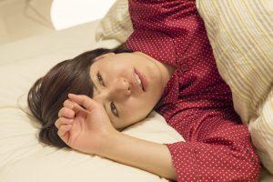 過緊張症候群で眠れない時どうする?症状と対策って?