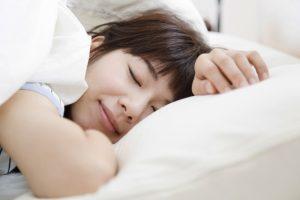 うつぶせ寝で得られる良い効果とは?