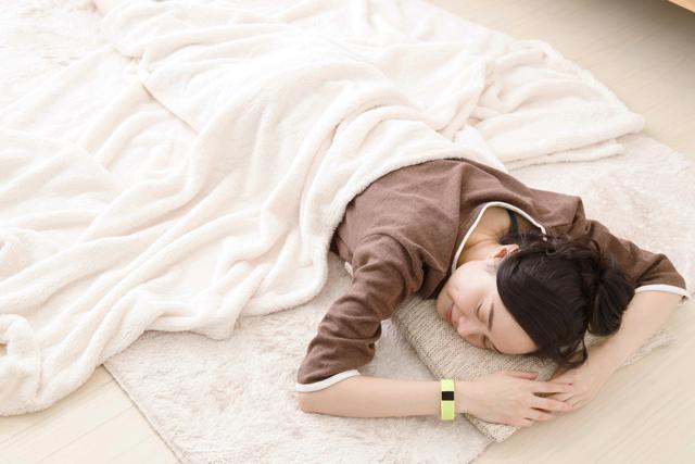 平日は短時間睡眠、休日は少し長く眠るのがポイント!