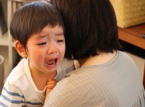 子供の夜驚症(睡眠時驚愕症)ってどんな症状?原因と対策って?