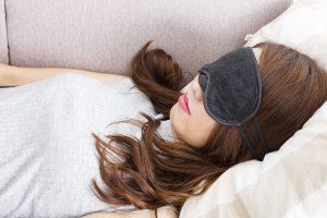 アイマスクでぐっすり睡眠!5つの効果とおすすめの選び方6つのポイント