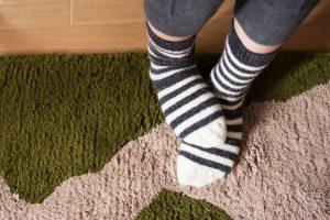 なぜ寝る時に靴下を履くのか?