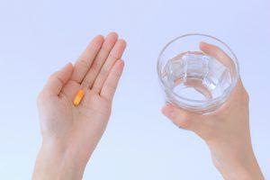 オレキシン受容体拮抗薬「ベルソムラ」は、オレキシンの覚醒作用を阻害することで睡眠へと誘います。