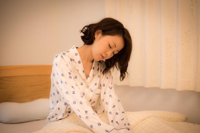 二度寝はダメ!?寝起きを悪くする睡眠慣性の原因と解消法