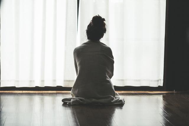 耳鳴りとストレス、寝不足の密接な関係