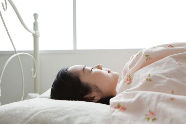 二度寝は夢心地を味わえることから至福の時間と感じる方も多いと思います。
