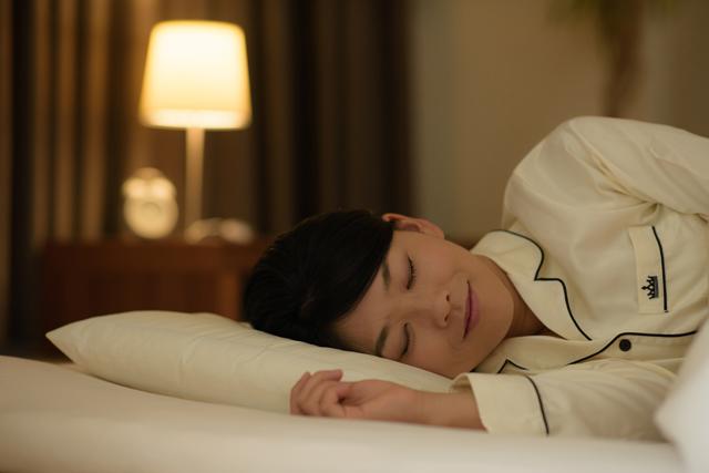 右向きで眠ることのメリット