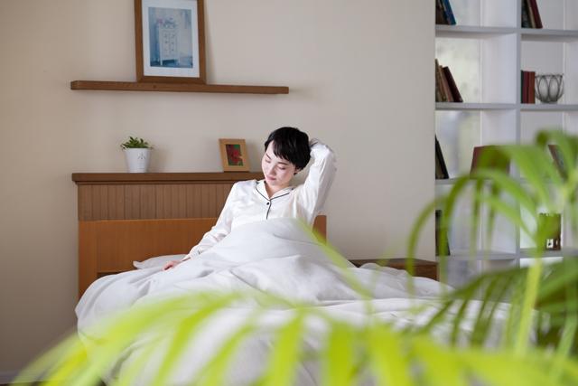 シルクのパジャマは睡眠への効果、美容への効果が高く、女性の美を内面から引き出してくれます。