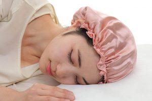 寝る時に帽子をかぶる効果と、おすすめのナイトキャップは?