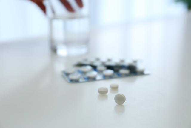 睡眠薬のデパスは効き目は短時間ですが、即効性があるのでなかなか入眠できないという入眠障害の人向きの睡眠薬です。