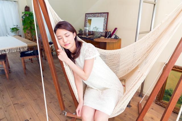 室内ハンモックで寝るのがいい理由とは?使用時の注意点