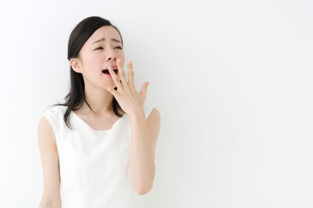 眠くないのにあくびをするというのは、脳、心臓、消化器系、自律神経などの大きな病気が隠れているサインかも知れません。