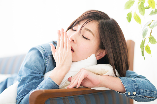 眠くないのにあくびが止まらない時、注意すべき病気とは?