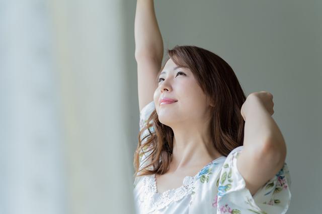 夜型体質の人が朝から仕事をするためには、徐々に朝型体質になるように生活リズムを整えていくことが大切です。
