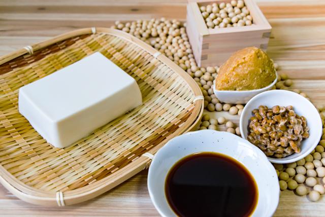 納豆の他にトリプトファンをたくさん含む食材は?